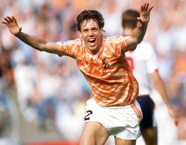 ماركو فان باستن قاد منتخب هولندا للفوز بكأس الأمم الأوروبية 1988