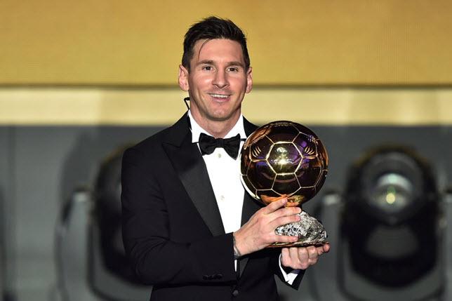 ليونيل ميسي يتوج ليونيل بجائزة الكرة الذهبية
