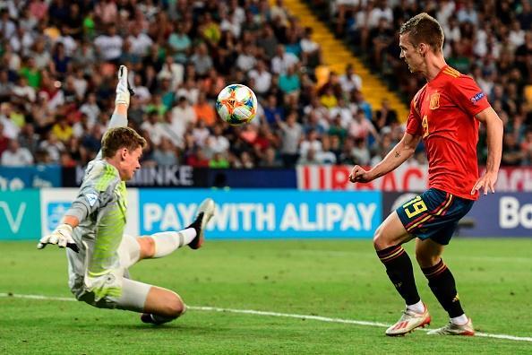 داني أولمو رفقة منتخب إسبانيا الشاب