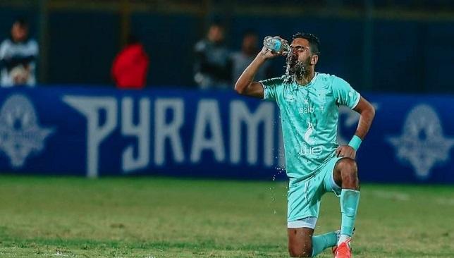حسين الشحات لاعب النادي الأهلي