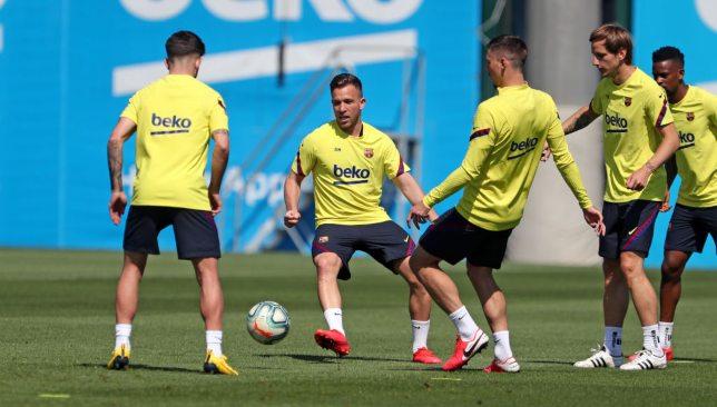 آرتور ميلو في تدريبات برشلونة