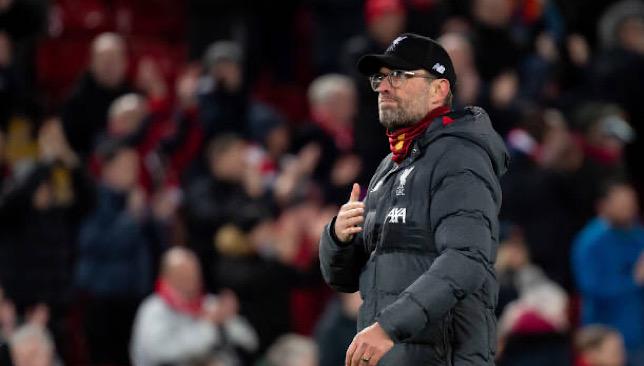 رسمياً .. ليفربول يتسلم كأس الدوري الإنجليزي والميداليات عقب مباراته ضد تشيلسي