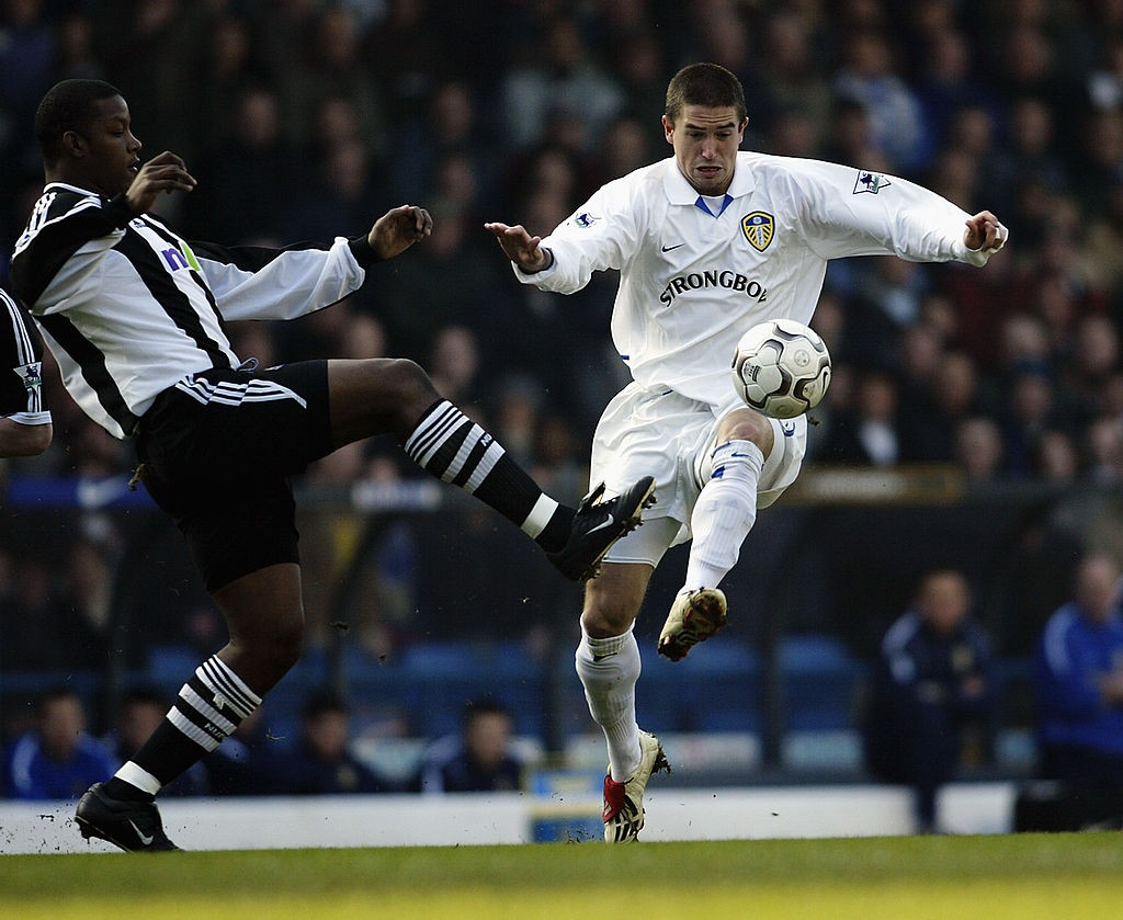 Harry Kewell of Leeds United and Titus Bramble of Newcastle United