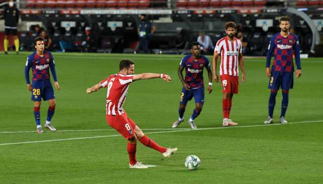 ساؤول نيجيز يُحرز هدف التعادل لأتلتيكو مدريد