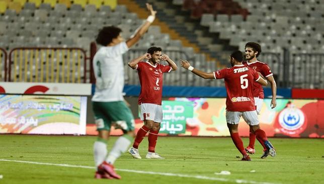 الأهلي يواصل التغريد في صدارة الدوري بثنائية في شباك المصري