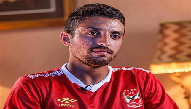 اعلامي: الأهلي قد يتراجع عن صفقة طاهر محمد طاهر