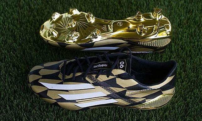 شاهد حذاء رودريجيز مع أول ظهور بقميص ريال مدريد - سبورت 360 عربية