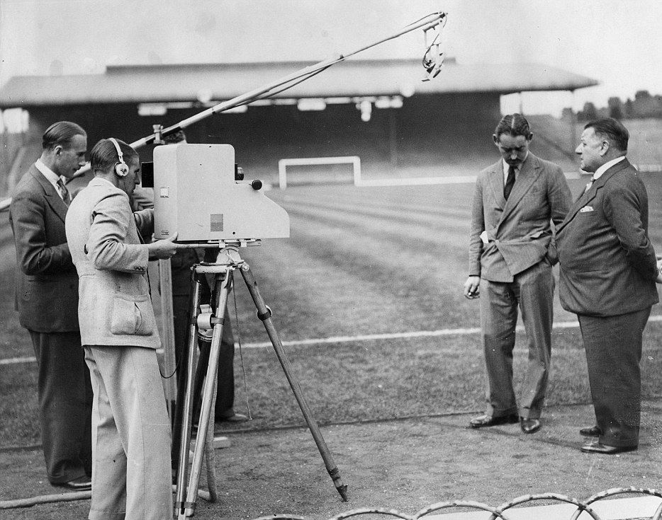 متى كانت أول مباراة تُبث على التلفاز ؟
