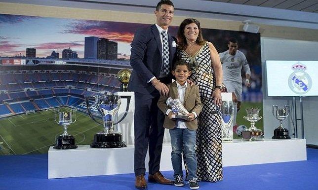 صورة.. رونالدو يسخر من ابنه أمام الكاميرات! - سبورت 360 عربية